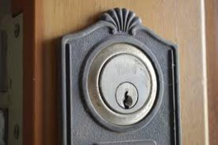 CAN A DEADBOLT BE REKEYED ?