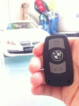 HOW MUCH WILL A REPLACEMENT KEYLESS ENTRY FOB COST?